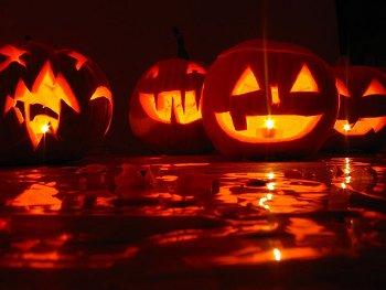 18.3:350:263:250:188:Halloween:center:1:1::1:
